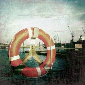 Rettungsring am Hafen